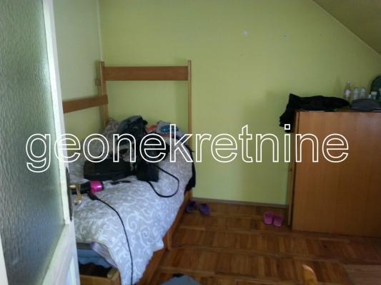 Jednoiposoban stan u kući 1232