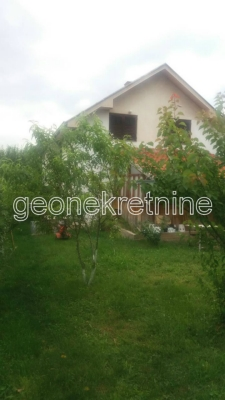 Kuća u vikend naselju Vrtište 4073